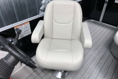 Captain's Chair of a 2022 Sylvan Mirage 820 Cruise Pontoon
