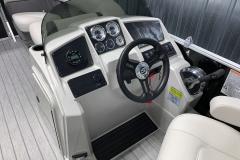 Helm of the 2022 Sylvan Mirage 820 Cruise Pontoon