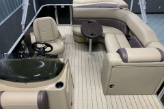 Interior Layout of a 2021 Sylvan Mirage 820 Cruise Pontoon 1