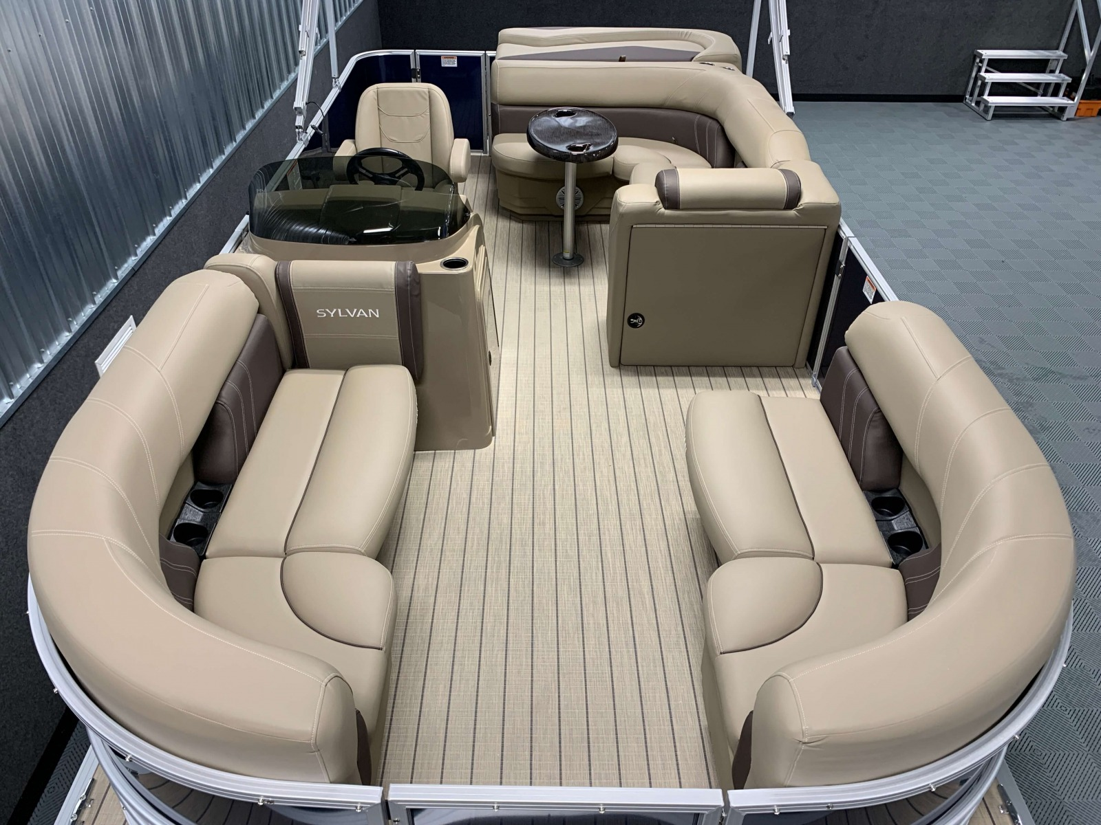 2020-Sylvan-Mirage-820-Cruise-Pontoon-Layout-2