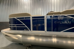 2020-Sylvan-Mirage-820-Cruise-Pontoon-Blue-6