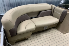 2020-Sylvan-Mirage-820-Cruise-Pontoon-Seating-1