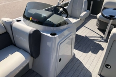 Helm and Captain's Chair of a 2021 Sylvan Mirage 820 Cruise Pontoon 2