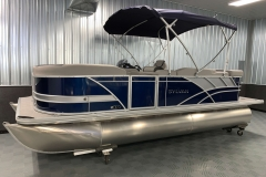 10' Bimini Top of the 2021 Sylvan L1 Cruise Pontoon Boat