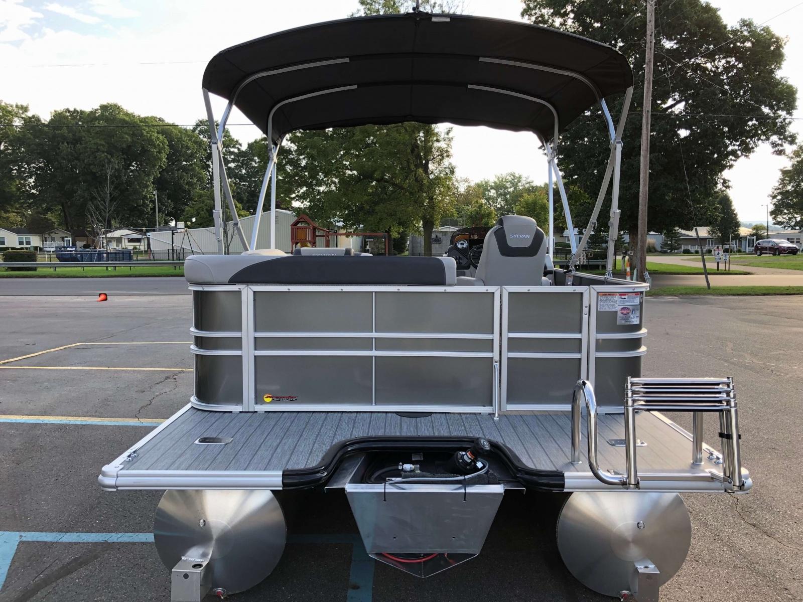 Rear Swim Deck of the 2021 Sylvan L1 Cruise Pontoon Boat