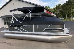 Full Mooring Cover of the 2021 Sylvan L1 Cruise Pontoon Boat