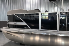 D-Rail Panel Design of the 2021 Sylvan L1 LZ Pontoon Boat