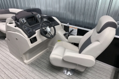 Fiberglass Helm of the 2021 Sylvan L1 LZ Pontoon Boat