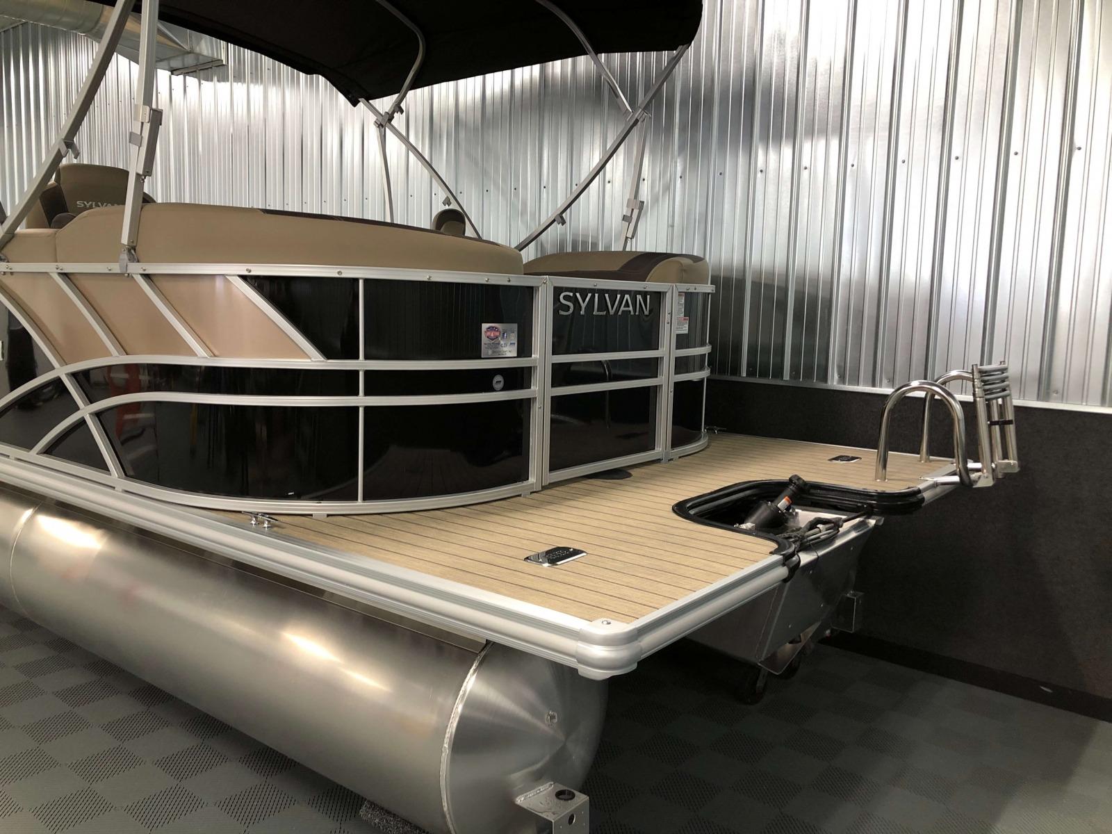 Extended Rear Swim Deck of the 2021 Sylvan L1 LZ Pontoon Boat