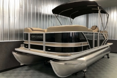 Bow Swim Deck of the 2021 Sylvan L1 LZ Pontoon Boat