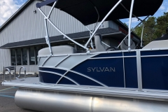 Silver Exterior Accents of the 2021 Sylvan L1 LZ Pontoon Boat