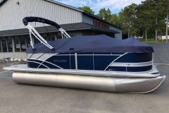 Full Mooring Cover of the 2021 Sylvan L1 LZ Pontoon Boat