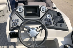 Drivers Console of the 2021 Sylvan L1 LZ Pontoon Boat