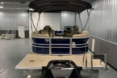 Extended Rear Swim Deck of the 2021 Sylvan L1 LZ Pontoon Boat
