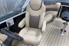 High-Back Captain's Chair of a 2022 Sylvan L1 LZ Tritoon Boat
