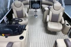 Interior Mid-Ship Layout of a 2022 Sylvan L1 LZ Tritoon Boat