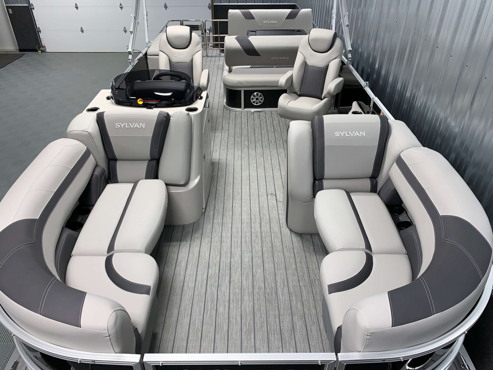 Interior Layout of the 2021 Sylvan L3 DLZ Pontoon Boat