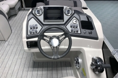 Drivers Console of the 2021 Sylvan L3 DLZ Pontoon Boat
