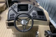 Drivers Console of the 2021 Sylvan L3 DLZ Pontoon Boat