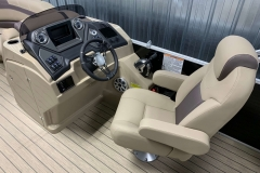 Fiberglass Helm of the 2021 Sylvan L3 DLZ Pontoon Boat