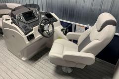 Fiberglass Helm of the 2022 Sylvan L3 LZ Pontoon Boat
