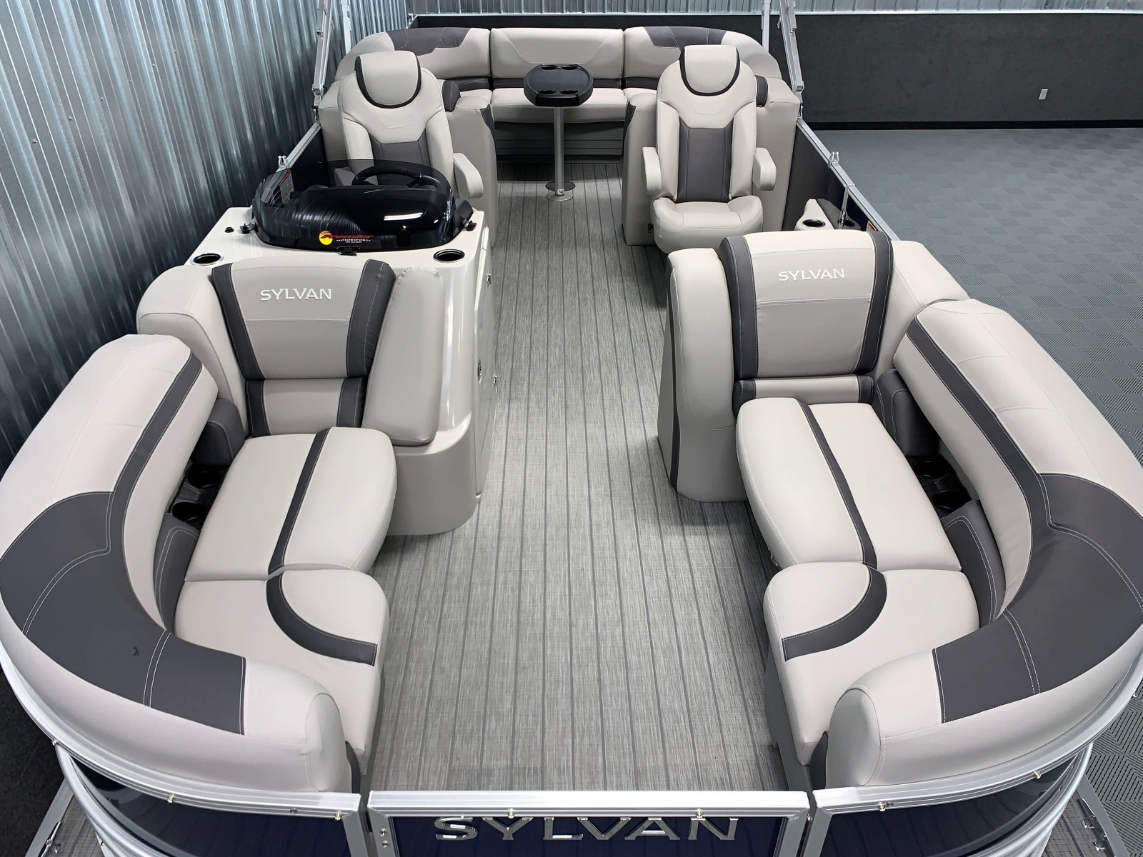 Interior Layout of the 2021 Sylvan L3 LZ Tritoon Boat
