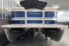 SPX Tritoon Package of the 2021 Sylvan L3 LZ Tritoon Boat