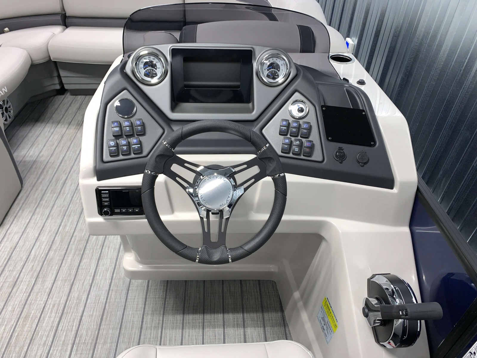 Drivers Console of the 2021 Sylvan L3 LZ Tritoon Boat