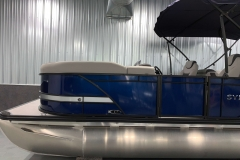 Blackout Rail Package on the 2021 Sylvan L3 LZ Tritoon Boat
