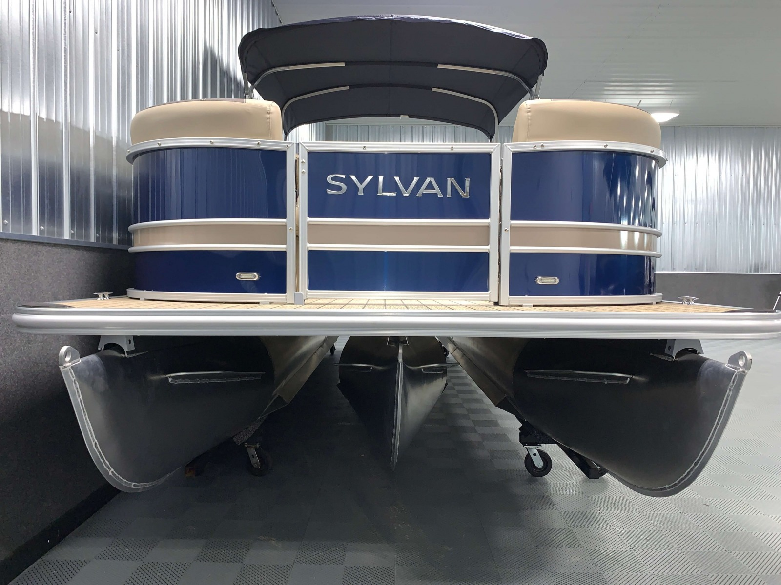 SPX Performance Package of the 2021 Sylvan L3 LZ Tritoon Boat