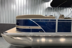 D-Rail Panel Design of the 2021 Sylvan L3 LZ Tritoon Boat