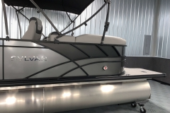 Black Exterior Accents of the 2021 Sylvan L3 LZ Tritoon Boat