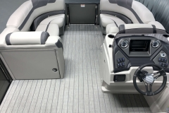Teak Weave Vinyl Flooring of the 2021 Sylvan L3 LZ Tritoon Boat