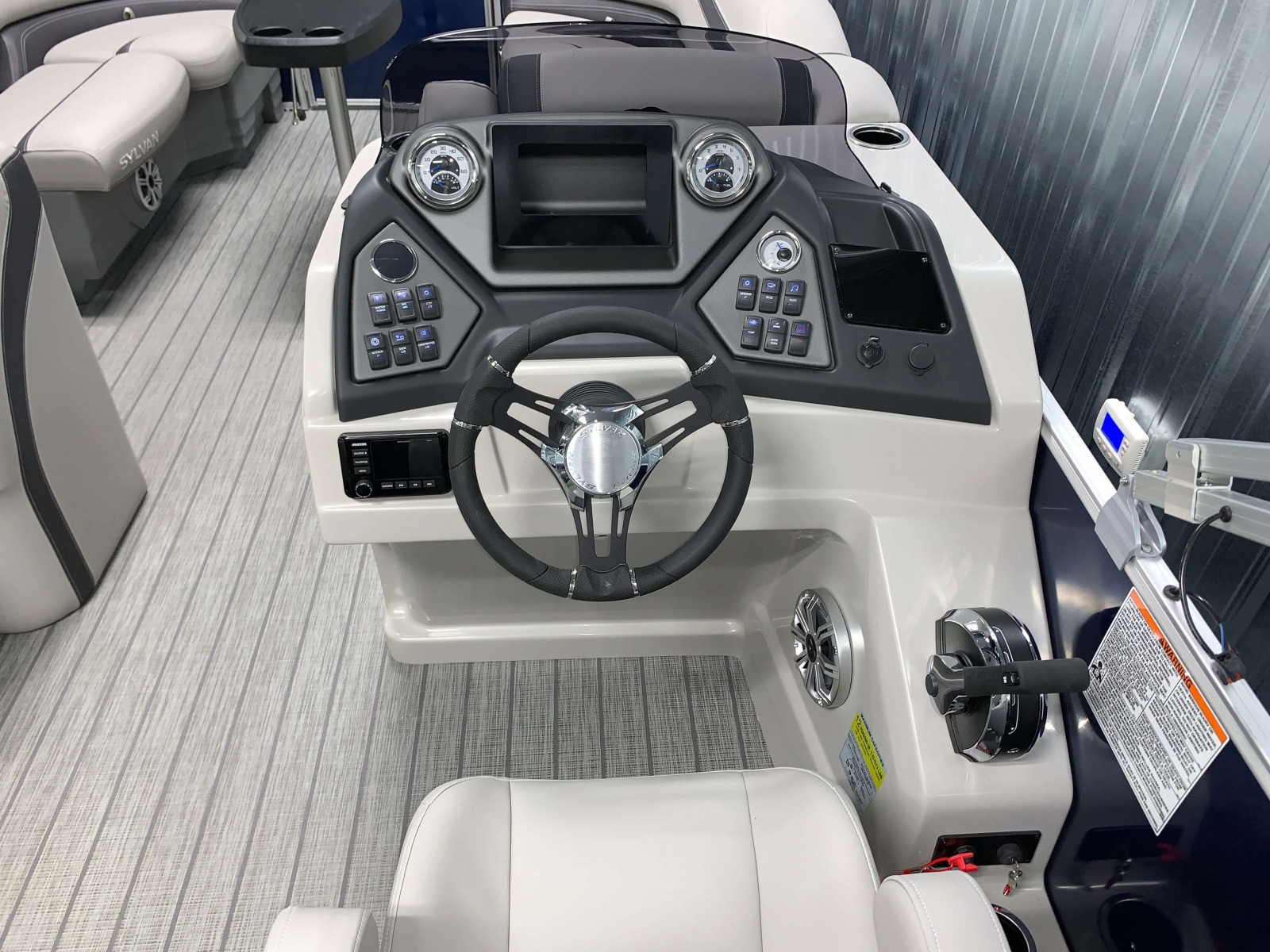 Drivers Console of the 2022 Sylvan L3 Party Fish Pontoon Boat