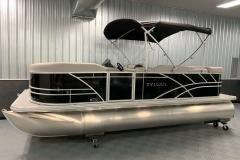 Exterior Design of a 2022 Sylvan 8520 Cruise Pontoon