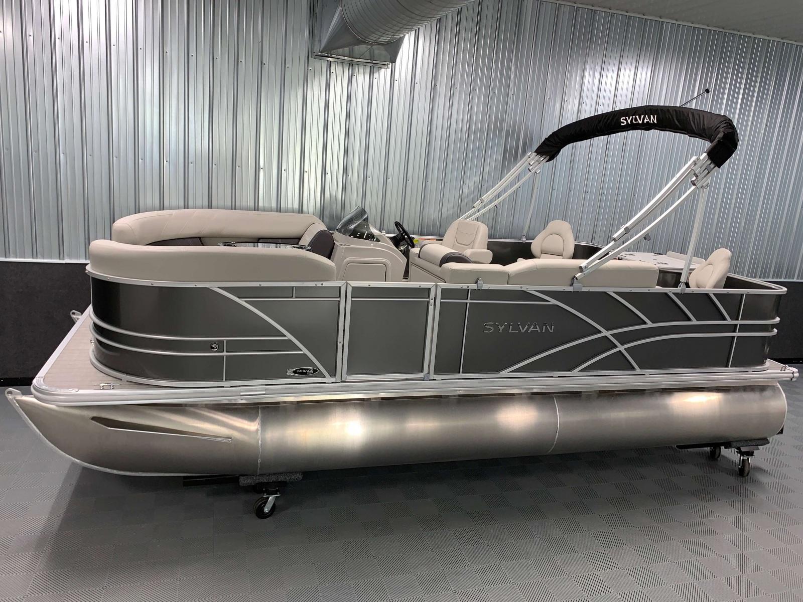 D-Rail Panel Design of a 2021 Sylvan Mirage 8520 Party Fish Pontoon Boat