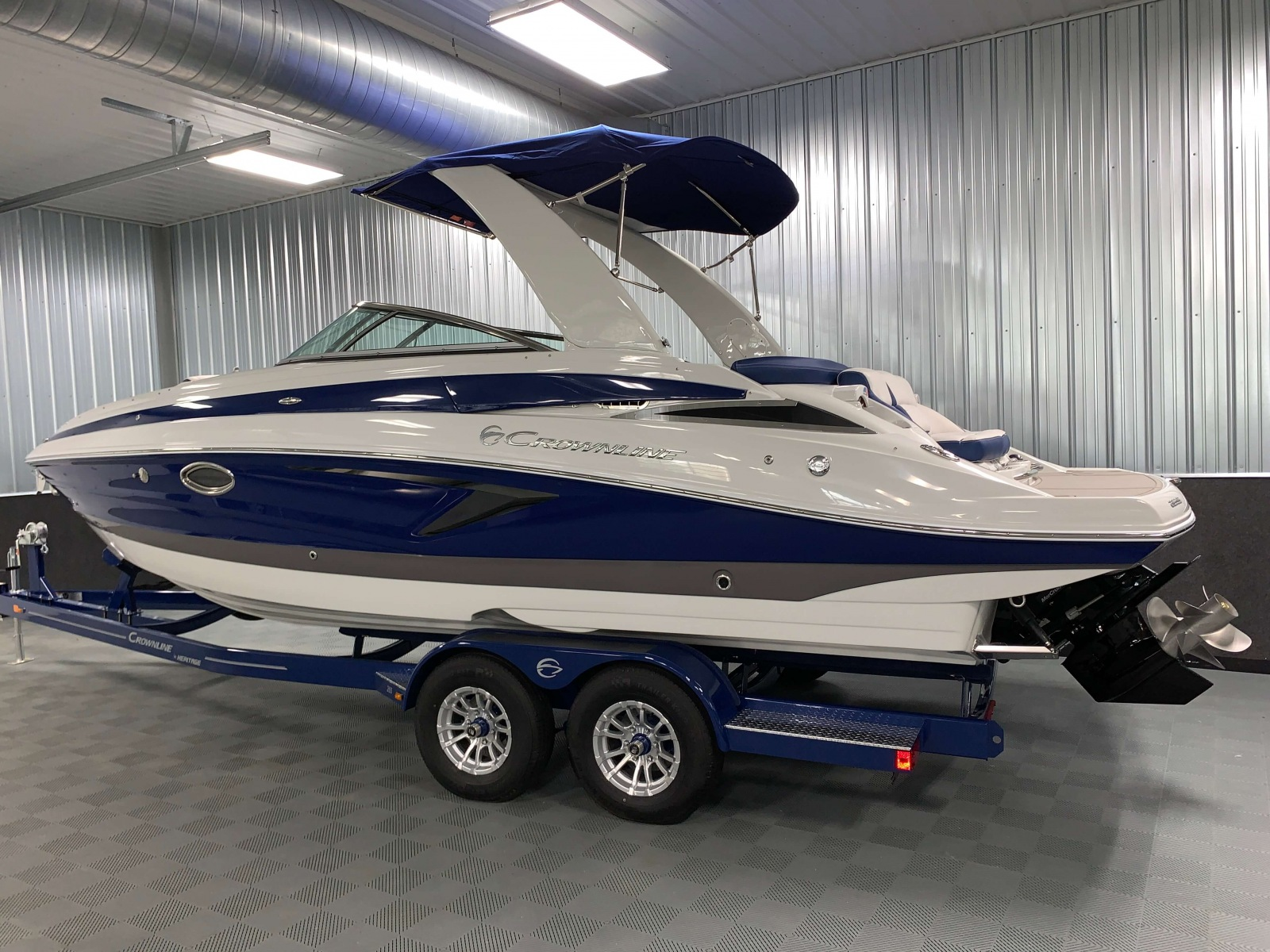 Slate Exterior Color of the 2021 Crownline 265 SS Bowrider Boat