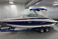 Amethyst Exterior Color on the 2021 Crownline 265 SS Bowrider Boat