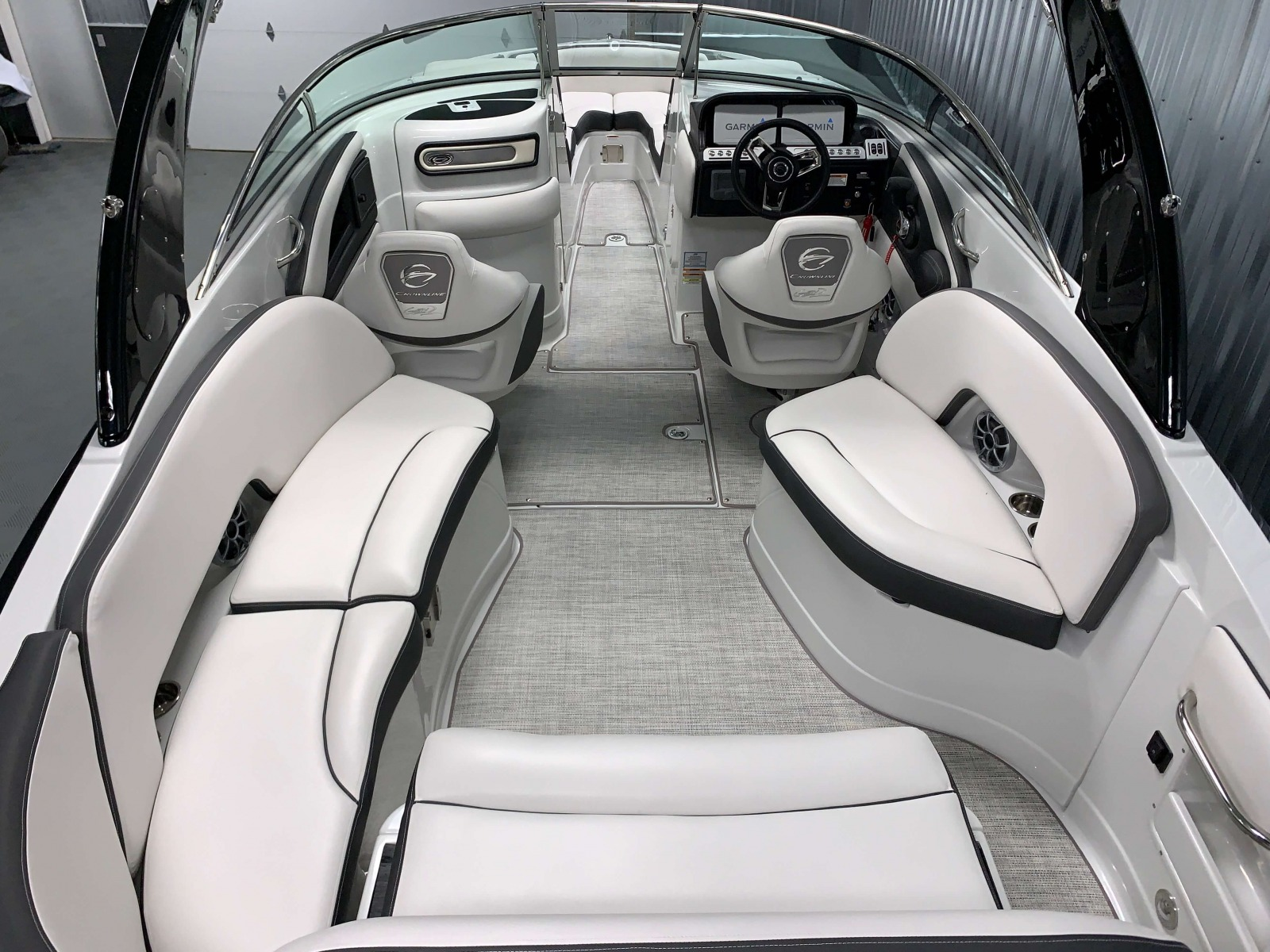 Interior Cockpit Layout of the 2021 Crownline 280 SS Bowrider Boat