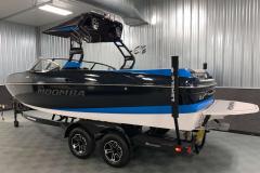 Trailer Guide Poles of the 2021 Moomba Craz Wake Boat