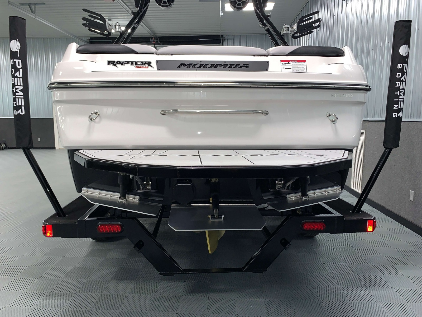 Flow 2.0 Surf System of the 2021 Moomba Craz Wake Boat