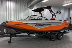 Vivid Orange and Silver Flake on the 2021 Moomba Kaiyen Wake Boat