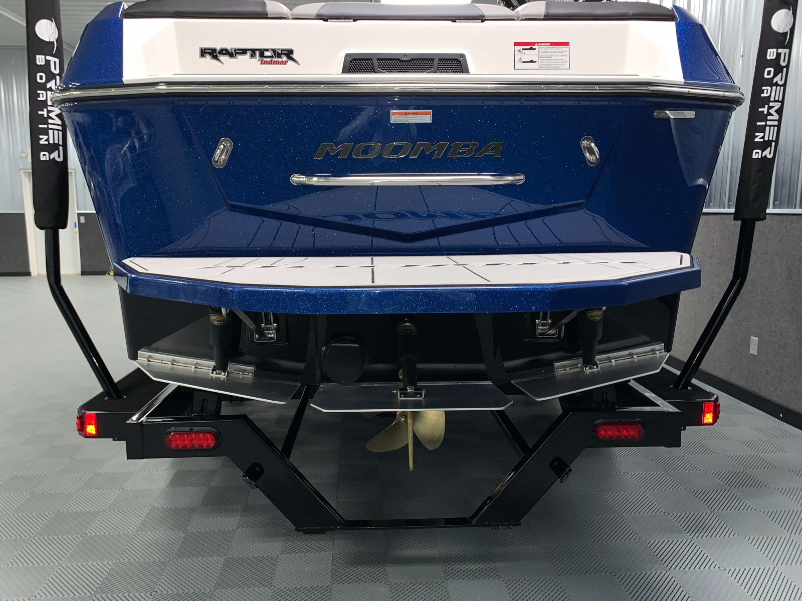 Flow 2.0 Surf System of the 2021 Moomba Max Wake Boat