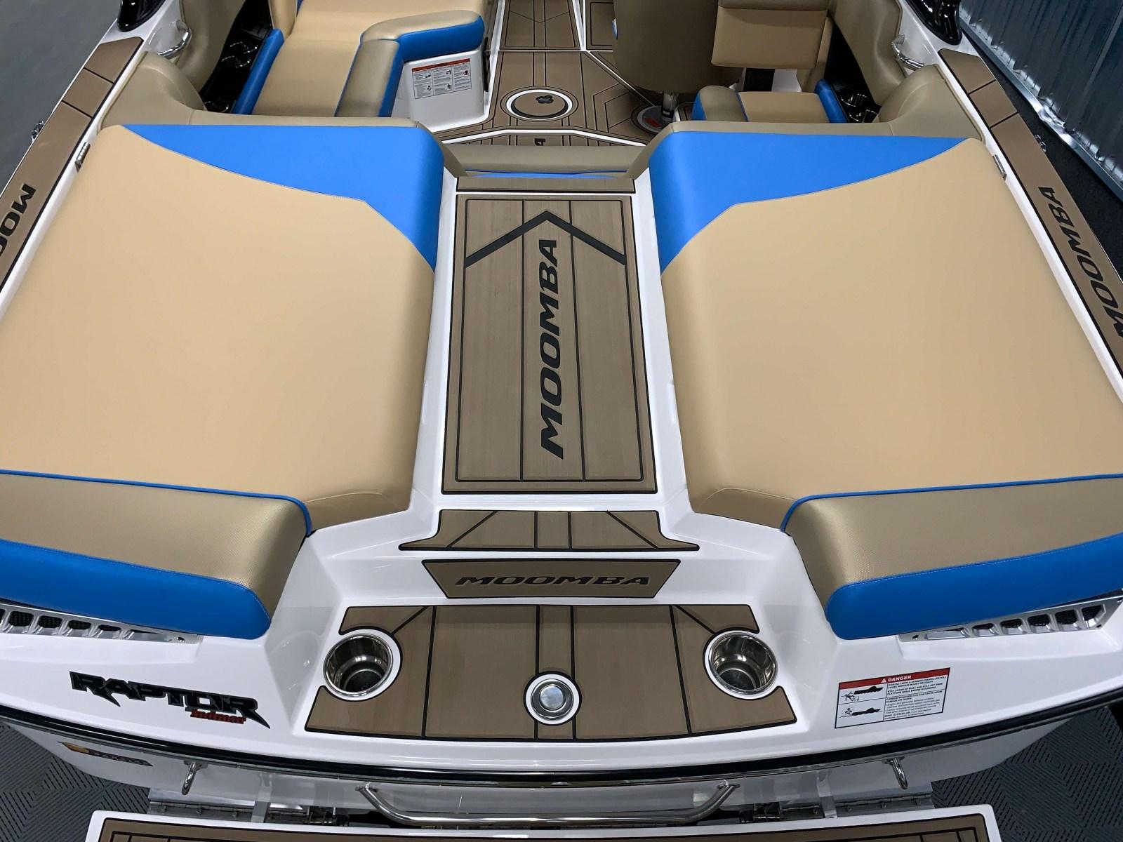 Transom Seating of the 2021 Moomba Mondo Wake Boat
