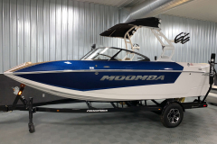 Steel Blue Metal Flake Exterior Color on the 2021 Moomba Mondo Wake Boat