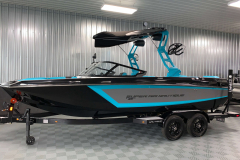 Bimini Top on the 2021 Nautique GS22 Wake Boat