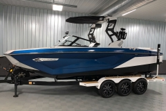 Admiral Blue Metal Flake on the 2021 Nautique G23 Wake Boat