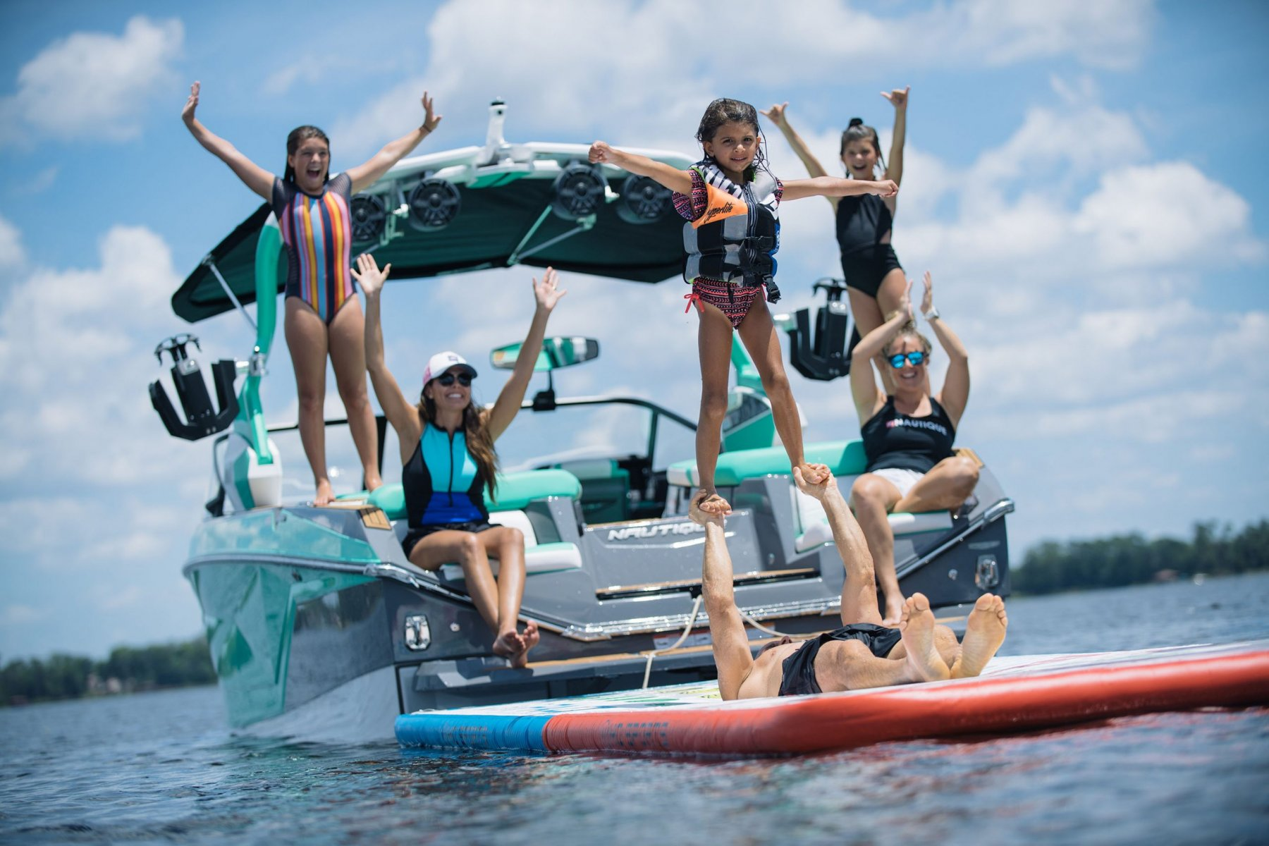Family Time on the 2022 Nautique G25 Wake Boat