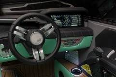 LINC Panoray Touchscreen Display of the 2022 Nautique G25 Wake Boat