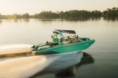 Superior Performance of the 2022 Nautique G25 Wake Boat